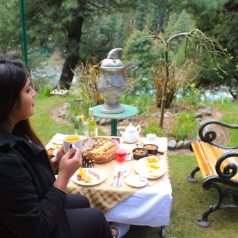 One of the best moments from my stay at Pine n Peak, Pahalgam was breakfast overlooking lidder river